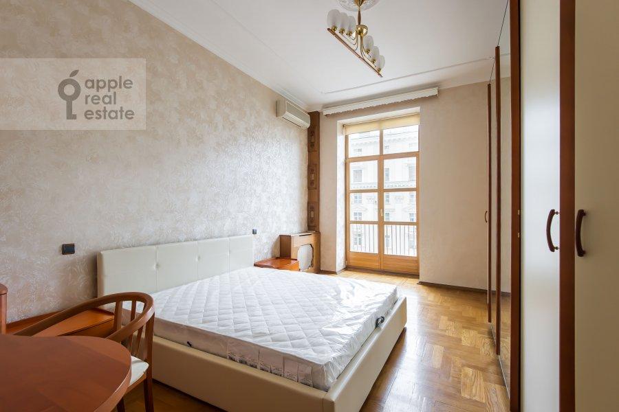 Bedroom of the 3-room apartment at Krasnokholmskaya naberezhnaya 1/15