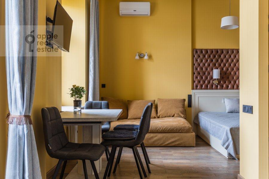 Гостиная в 1-комнатной квартире по адресу Покровка 38с1