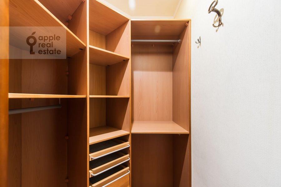 Walk-in closet / Laundry room / Storage room of the 3-room apartment at Trubnikovskiy pereulok 13S1