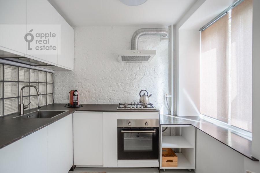 Кухня в квартире-студии по адресу Красная Пресня 11