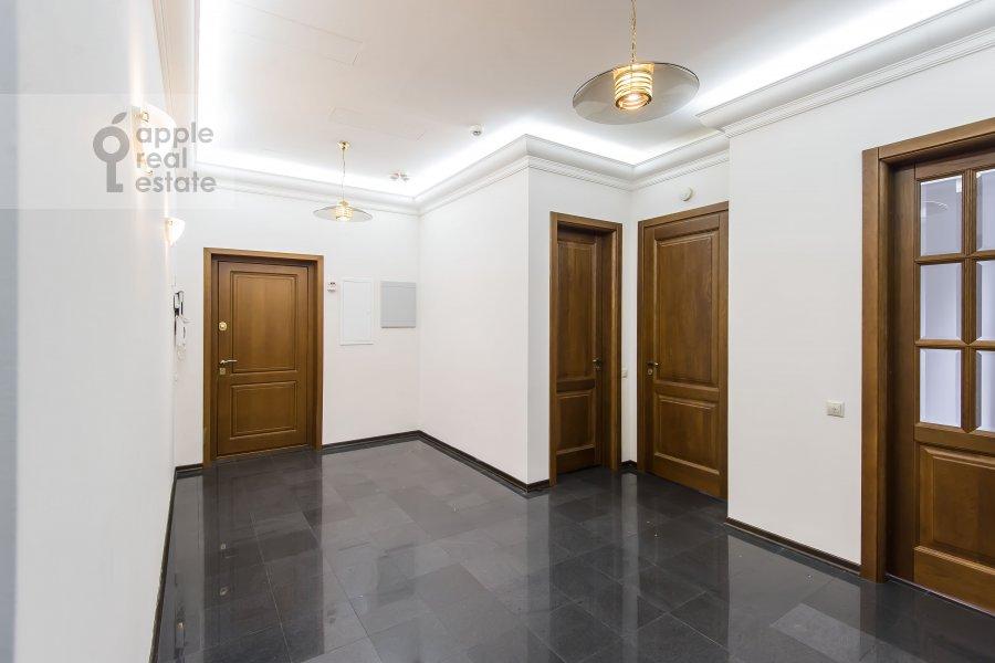 Corridor of the 4-room apartment at Gogolevskiy bul'var 29