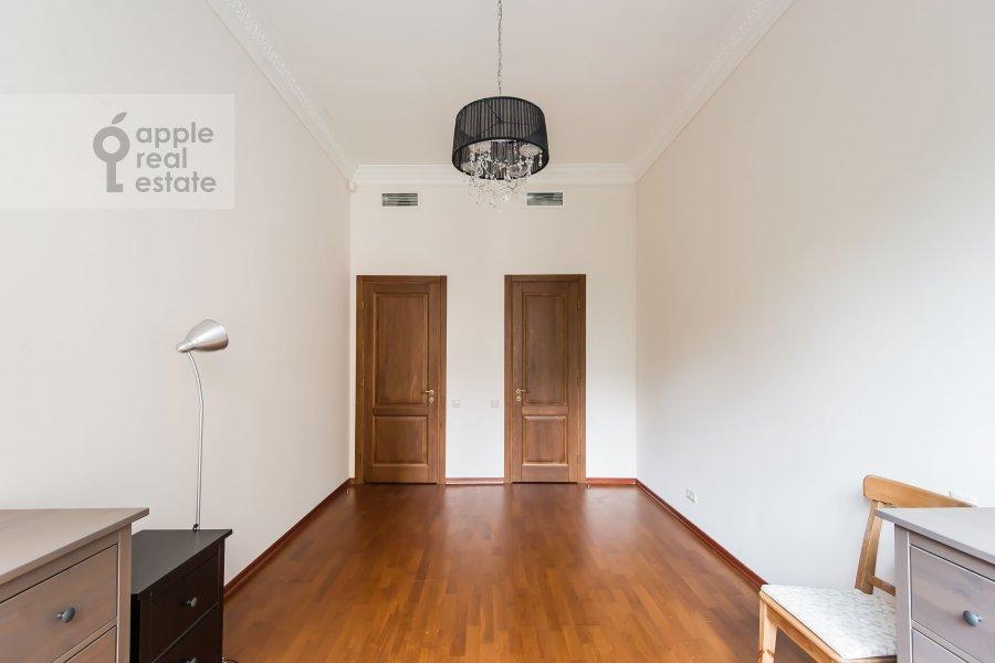 Bedroom of the 4-room apartment at Gogolevskiy bul'var 29