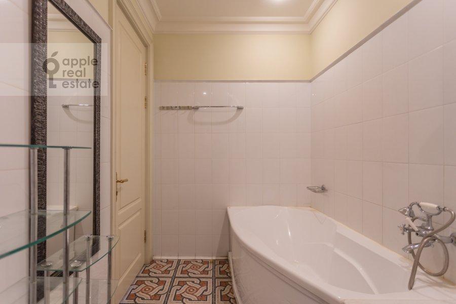 Санузел в 3-комнатной квартире по адресу Нахимовский проспект 56