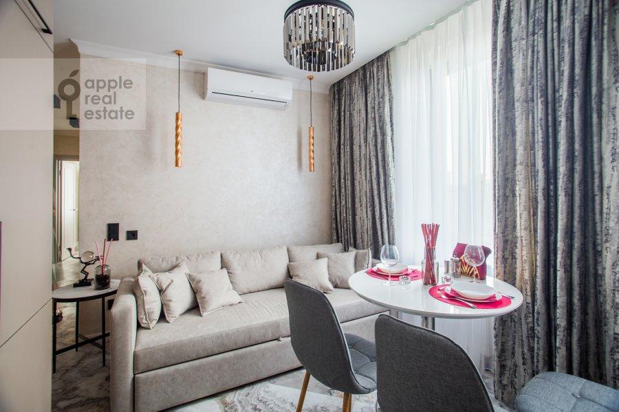Гостиная в 3-комнатной квартире по адресу улица Золоторожский Вал 8