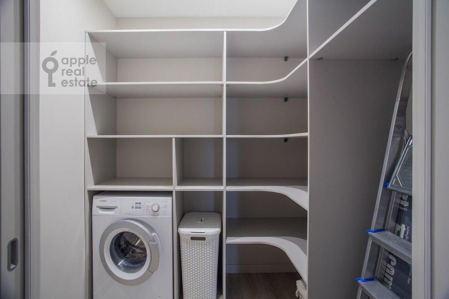 Гардеробная комната / Постирочная комната / Кладовая комната в 4-комнатной квартире по адресу Большая Грузинская улица 39