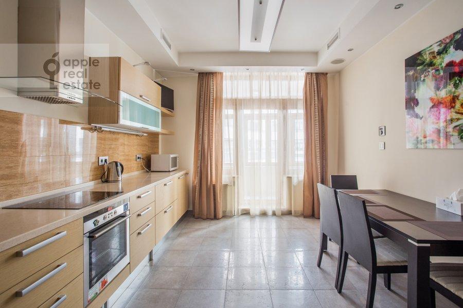 Кухня в 3-комнатной квартире по адресу Большая Якиманка 22К3