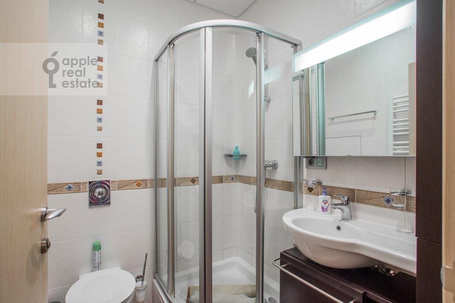 Санузел в 3-комнатной квартире по адресу Большая Якиманка 22К3