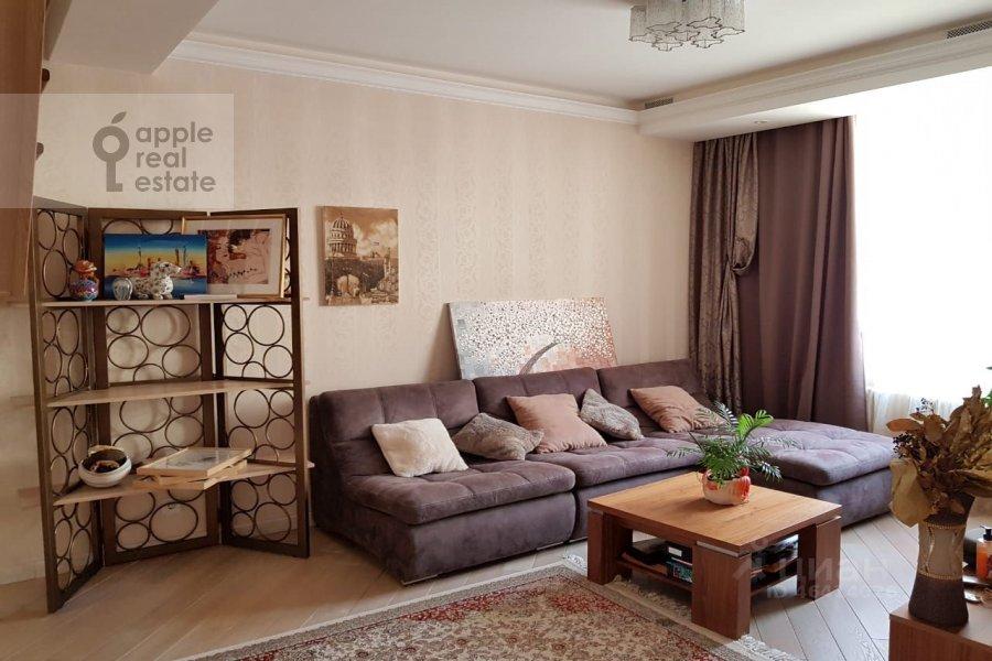Living room of the 4-room apartment at ulitsa Marshala Rybalko 2k6