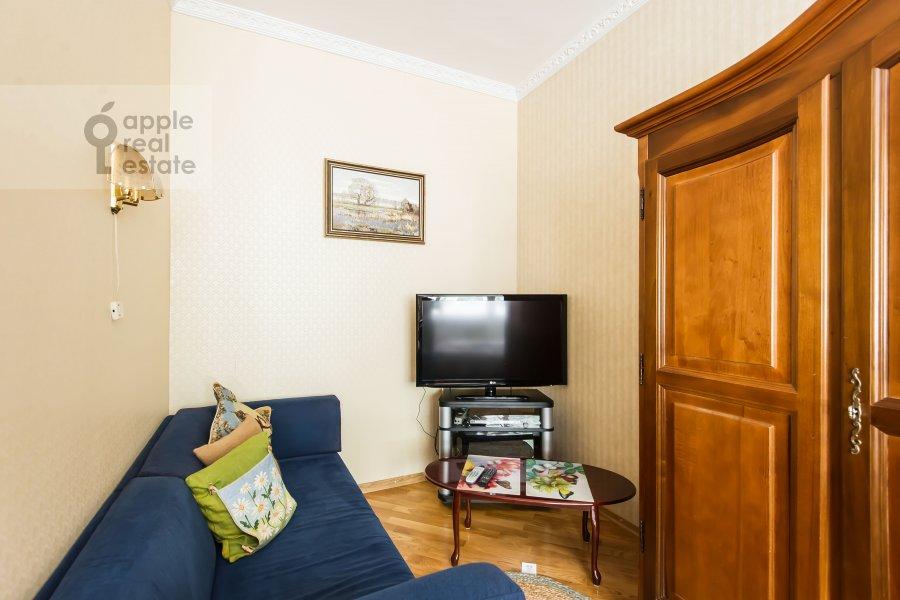 Bedroom of the 1-room apartment at 1-y Smolenskiy pereulok 9s1