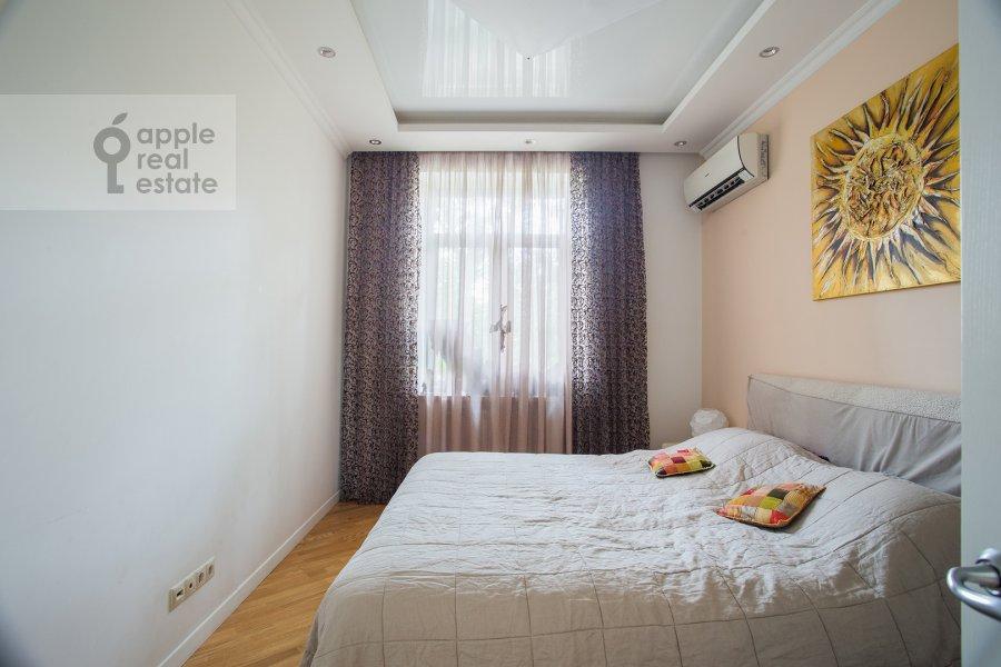 Bedroom of the 3-room apartment at Bol'shoy Tishinskiy pereulok 26k13-14