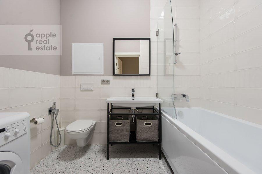 Bathroom of the 2-room apartment at Mosfil'movskaya ulitsa 88 k2 s5