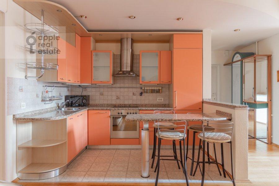 Кухня в 2-комнатной квартире по адресу 1-й Волконский переулок 15