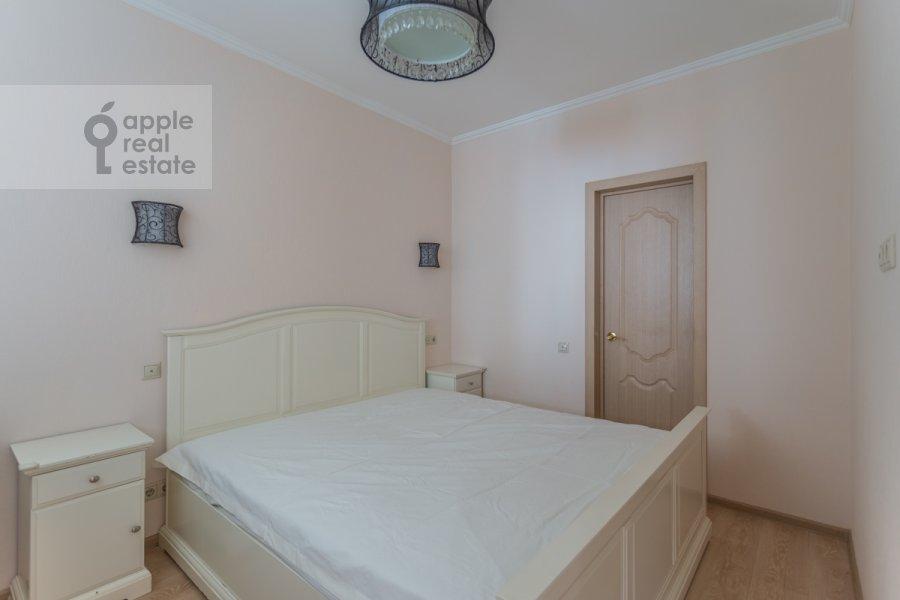 Bedroom of the 3-room apartment at 1-y Nagatinskiy proezd 11k3