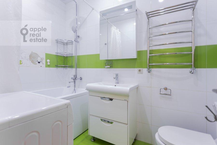 Bathroom of the 3-room apartment at 1-y Nagatinskiy proezd 11k3