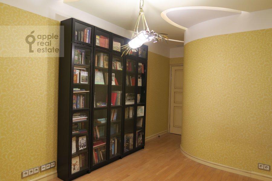 Bedroom of the 4-room apartment at Polotskaya ulitsa 31