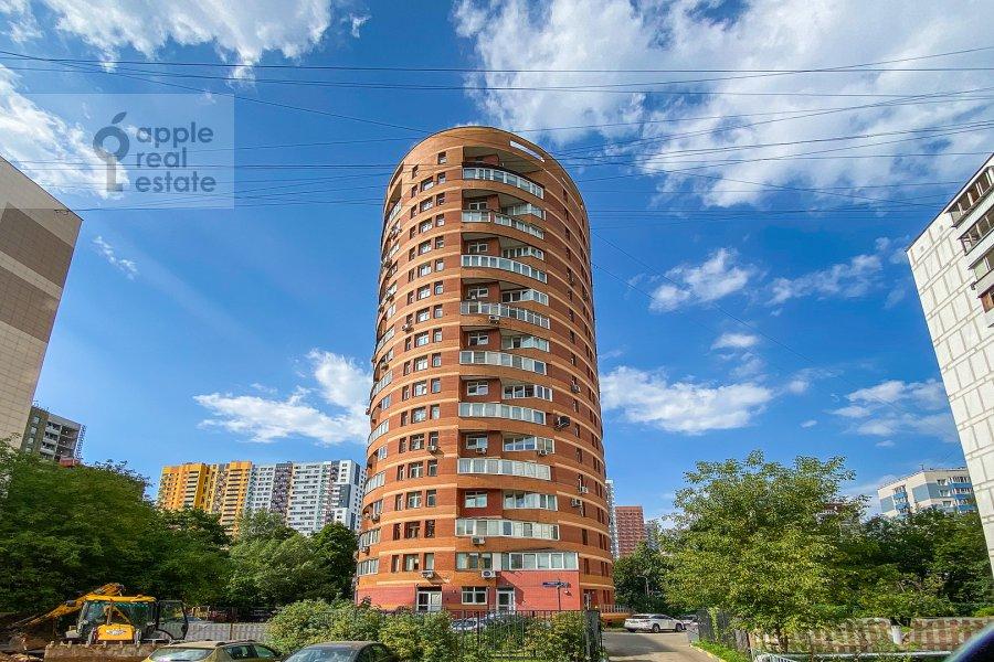 Photo of the house of the 4-room apartment at Polotskaya ulitsa 31