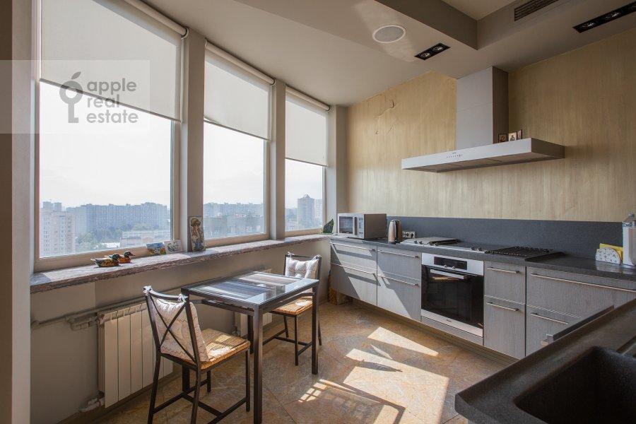 Kitchen of the 4-room apartment at Polotskaya ulitsa 31