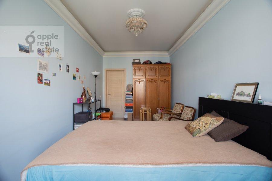 Bedroom of the 2-room apartment at Kutuzovskiy prospekt 5/3