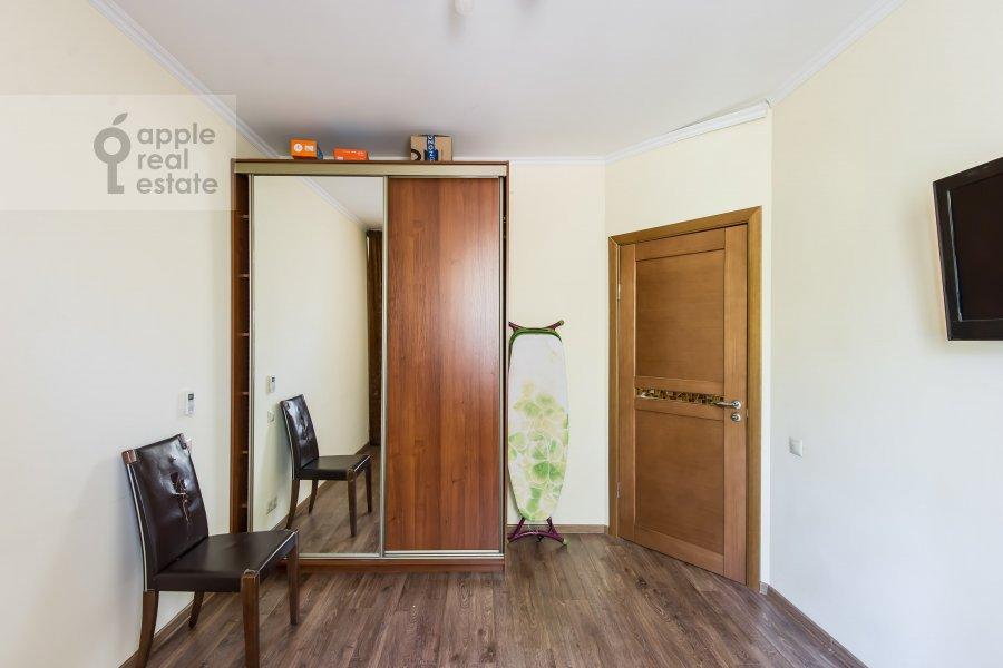 Спальня в 3-комнатной квартире по адресу проспект Буденного 26к2