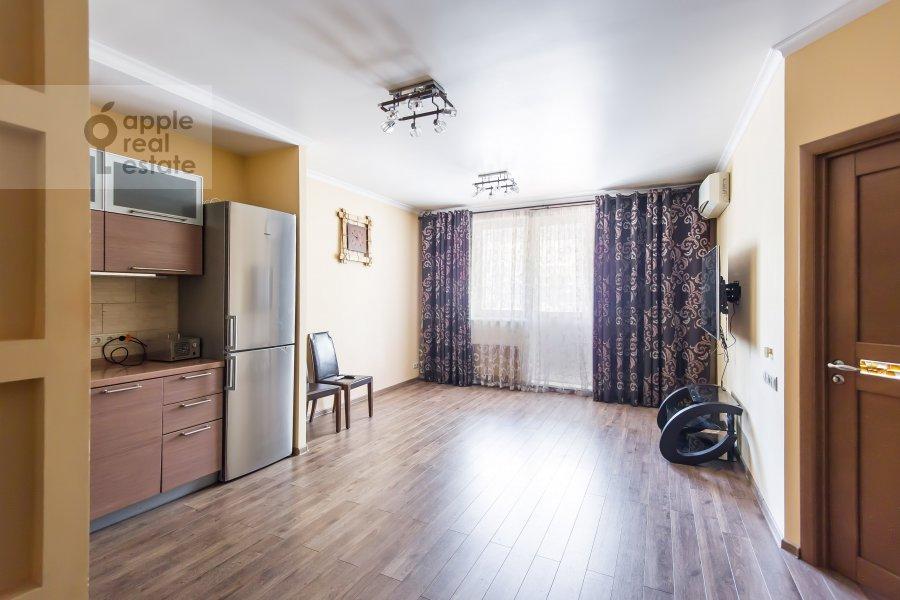 Гостиная в 3-комнатной квартире по адресу проспект Буденного 26к2
