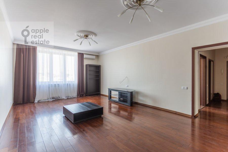 Гостиная в 3-комнатной квартире по адресу Лесная улица 4с1