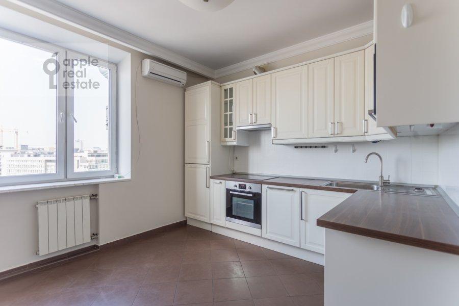 Кухня в 3-комнатной квартире по адресу Лесная улица 4с1