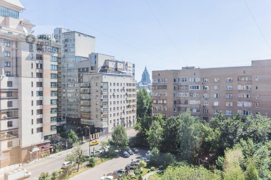 Вид из окна в 3-комнатной квартире по адресу Лесная улица 4с1