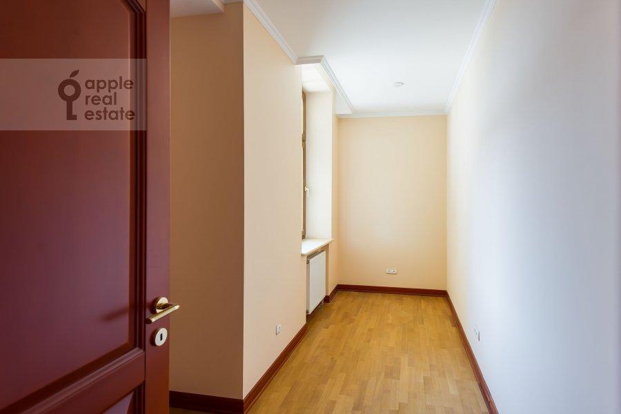 Гардеробная комната / Постирочная комната / Кладовая комната в 6-комнатной квартире по адресу Земледельческий переулок 11