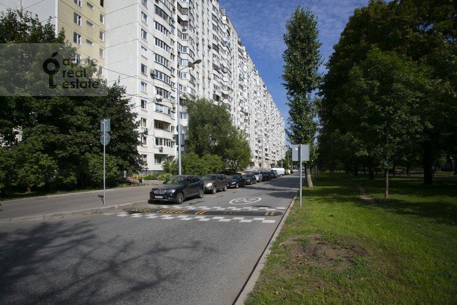 Photo of the house of the 4-room apartment at Novocheremushkinskaya ulitsa 50