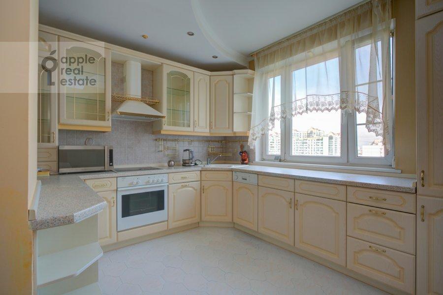 Kitchen of the 4-room apartment at Novocheremushkinskaya ulitsa 50