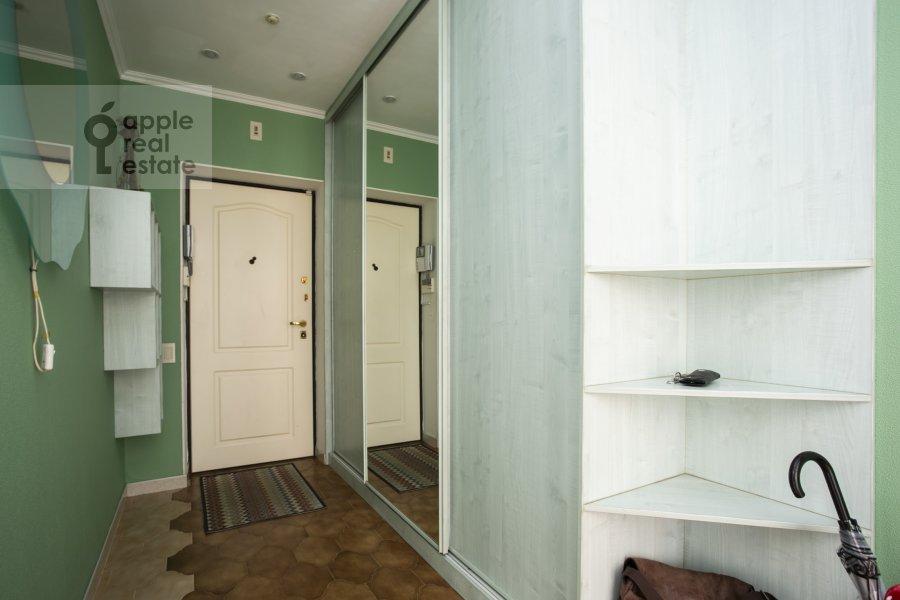 Corridor of the 4-room apartment at Novocheremushkinskaya ulitsa 50