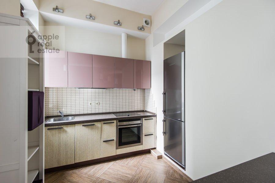Кухня в 4-комнатной квартире по адресу Леонтьевский переулок 11