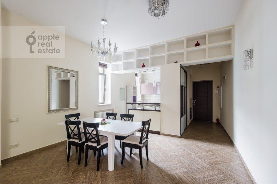 Гостиная в 4-комнатной квартире по адресу Леонтьевский переулок 11