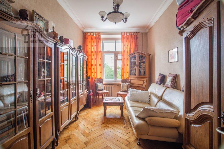 Детская комната / Кабинет в 3-комнатной квартире по адресу Малая Никитская улица 4С1