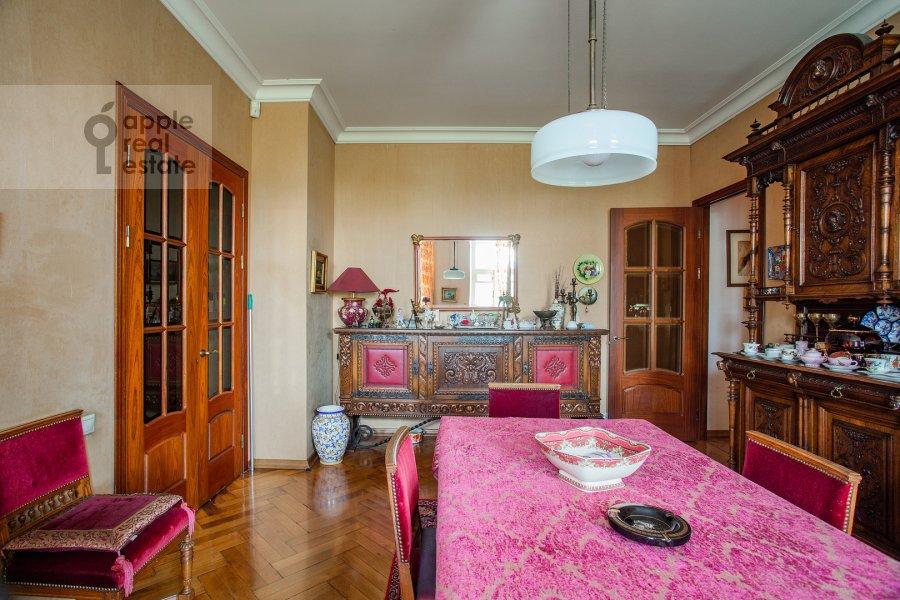 Гостиная в 3-комнатной квартире по адресу Малая Никитская улица 4С1