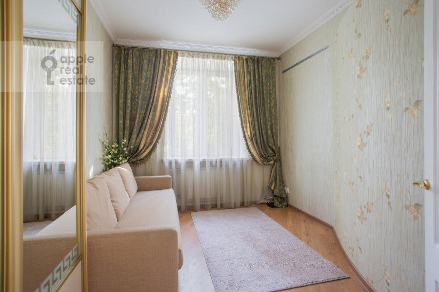 Детская комната / Кабинет в 3-комнатной квартире по адресу улица Госпитальный Вал 5К18