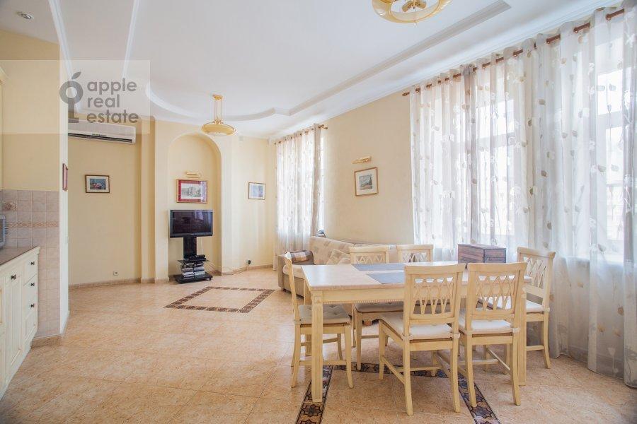 Kitchen of the 4-room apartment at Smolenskaya naberezhnaya 2