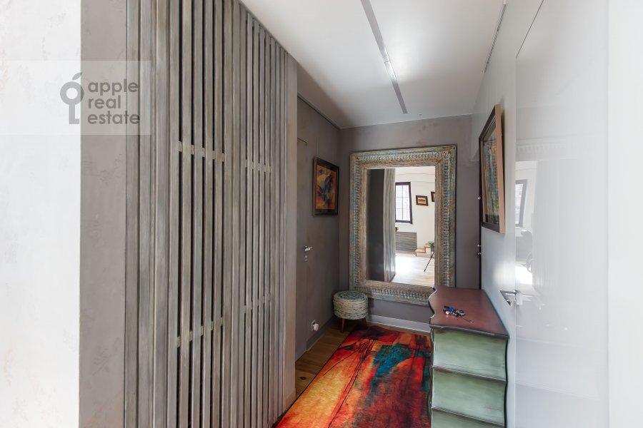 Corridor of the studio apartment at Dukhovskoy pereulok 17c11