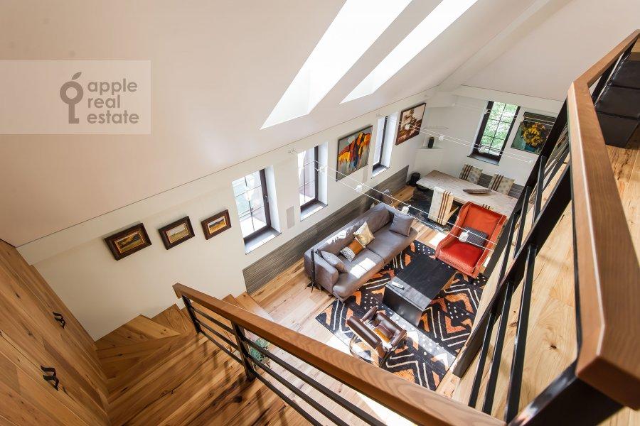 Living room of the studio apartment at Dukhovskoy pereulok 17c11