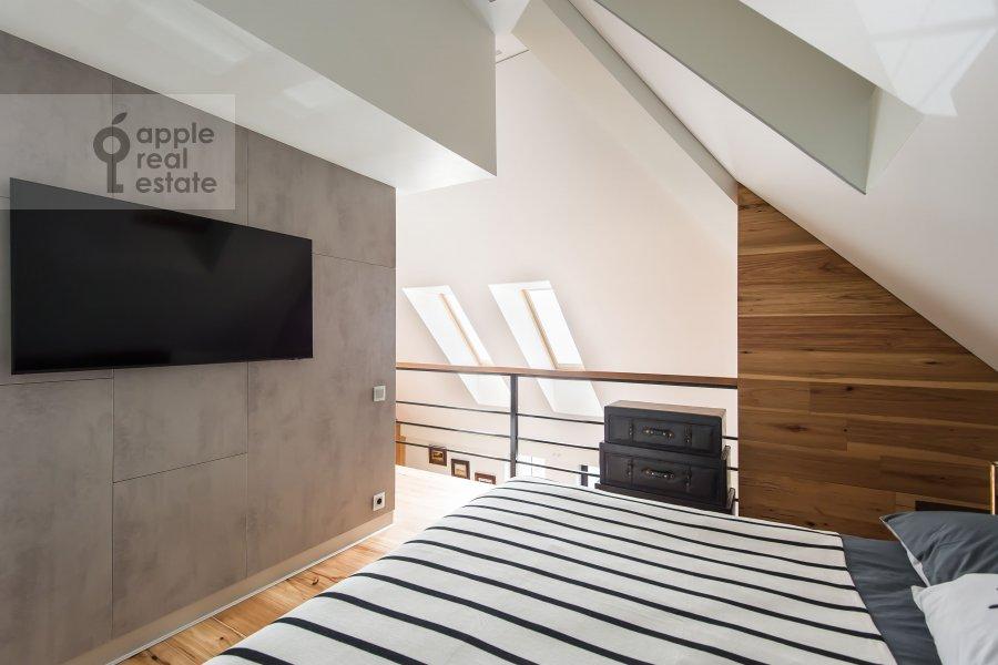 Bedroom of the studio apartment at Dukhovskoy pereulok 17c11
