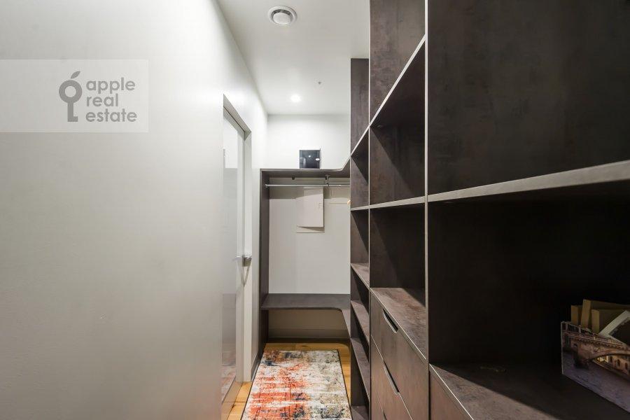 Walk-in closet / Laundry room / Storage room of the studio apartment at Dukhovskoy pereulok 17c11