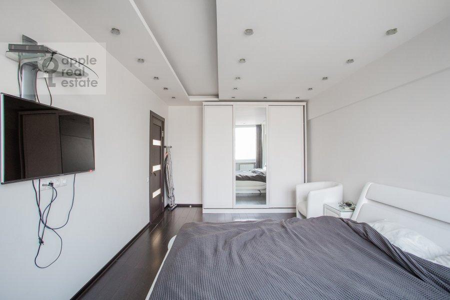 Спальня в 2-комнатной квартире по адресу Новинский бульвар 15