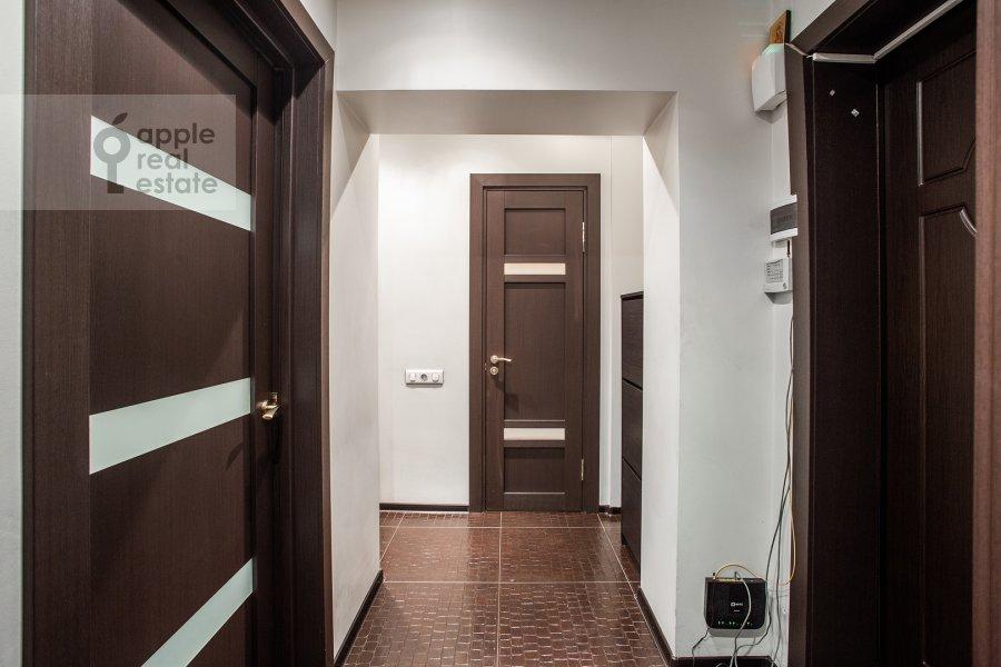 Коридор в 2-комнатной квартире по адресу Новинский бульвар 15