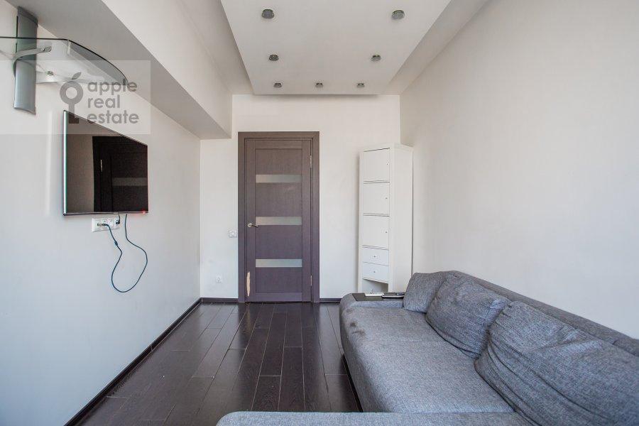 Гостиная в 2-комнатной квартире по адресу Новинский бульвар 15