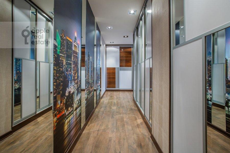 Corridor of the 2-room apartment at Pervomayskaya ulitsa 42k2