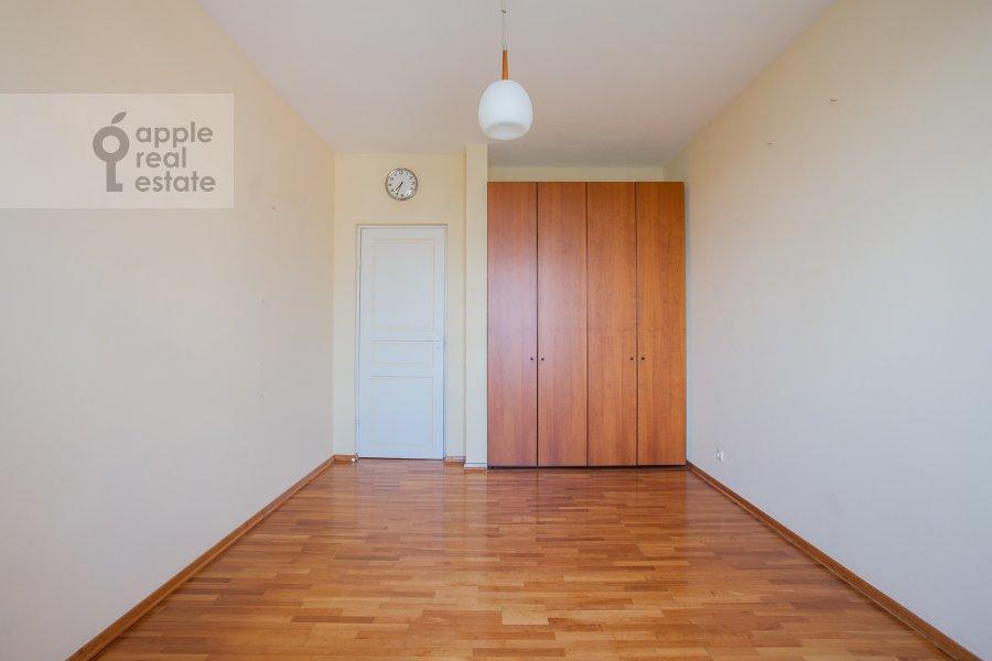 Children's room / Cabinet of the 4-room apartment at 1-y Spasonalivkovskiy pereulok 20