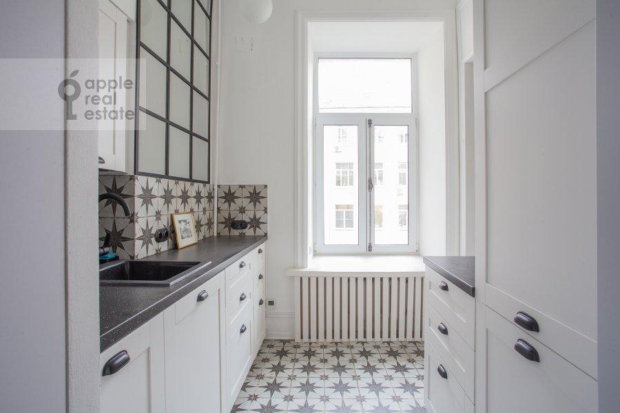 Кухня в 2-комнатной квартире по адресу Малый Предтеченский переулок 6