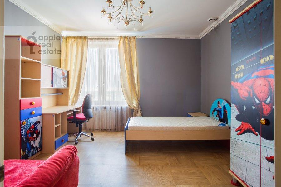 Детская комната / Кабинет в 4-комнатной квартире по адресу Мосфильмовская улица 70к3