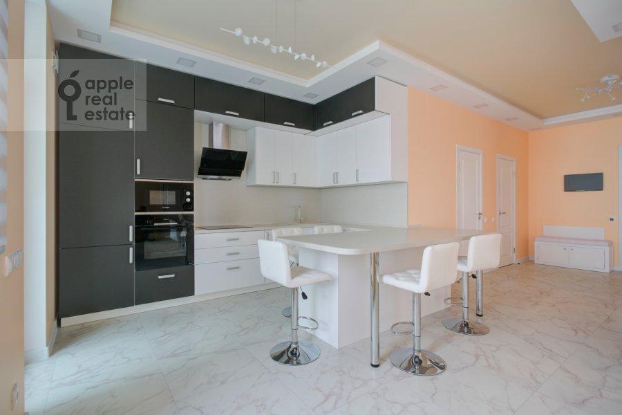 Кухня в 3-комнатной квартире по адресу Мосфильмовская улица 88к7