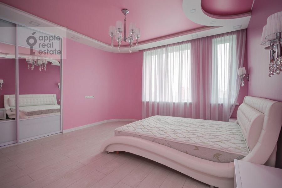 Детская комната / Кабинет в 3-комнатной квартире по адресу Мосфильмовская улица 88к7
